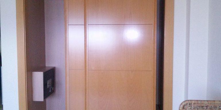 armario empotrado con caja fuerte
